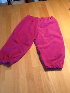 Bukser i babyfløjl cl. 86. Til barnebarnet.
