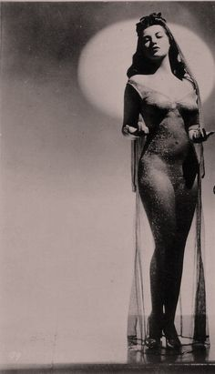 Vintage Burlesque | Follow http://www.pinterest.com/thevioletvixen/burlesque-babies/ if you love all things burlesque too!