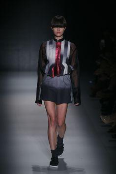 Vitorino Campos coloca a discussão de gêneros na ordem do dia - Vogue | Desfiles