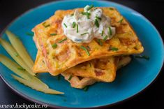 Waffles sau vafe sarate cu cascaval - Cheese waffles Cheese Waffles, What To Cook, Tacos, Brunch, Cooking Recipes, Chorizo, Breakfast, Healthy, Ethnic Recipes