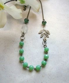 Mint green necklace, vintage inspired necklace, featured in Jewelry Affaire magazine, faceted beads, brass leaff charm – Diy Jewelry Vintage Custom Jewelry, Vintage Jewelry, Handmade Jewelry, Green Necklace, Diy Necklace, Necklace Ideas, Leaf Necklace, Beaded Jewelry, Jewelry Necklaces