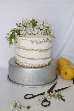 Lemon Meringue Naked Cake Recipe (bakpulcer = baking powder)