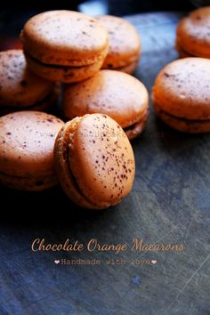 Bella Cupcakes: French Macaron Journey Take Three! French Macaroons, French Macarons Recipe, Baking Recipes, Cookie Recipes, Dessert Recipes, Cupcakes, Macaron Flavors, Macaroon Cookies, Macaroon Recipes