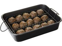 My baked meatballs always end up sort of square-shaped. Solution: Meatball Baker by Chicago Metallic Bakeware Baked Meatball Recipe, Meatball Bake, Meatball Recipes, Beef Recipes, Dog Food Recipes, Recipies, Chicago Metallic, Alton Brown, Spaghetti Recipes