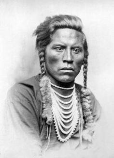 """Curley, Crow male, Curley was a scout for General George Custer and fought at the battle of Little Bighorn. """"come your crow cowards.show if you can ride"""" Native American Men, Native American Pictures, American History, American Women, George Custer, Battle Of Little Bighorn, George Armstrong, Crow Indians, Native Indian"""