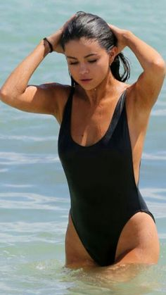 28f0523e8 Selena Gomez In Bikini - Indian Models   Actress Trajes De Baño De Una  Pieza