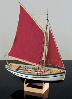 Ship Model Corel - Sloup - Brittany Oyster Boat Model Ship Kits, Model Ships, Wooden Model Boat Kits, Build Your Own Boat, Wooden Ship, Boat Building, Fishing Boats, Oysters, Scale Models