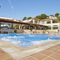 Hotel Restaurant Sa Punta (Platja de Plas) Costa, Hotels, Videos, Restaurant, Mansions, House Styles, Outdoor Decor, Home Decor, Littoral Zone