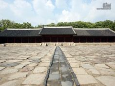 UNESCO World Heritage Sites     - JONGMYO(종묘) / Royal Shrine