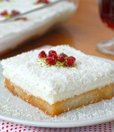 Kar Yağdı Tatlısı #karyağdıtatlısı #sütlütatlılar #nefisyemektarifleri #yemektarifleri #tarifsunum #lezzetlitarifler #lezzet #sunum #sunumönemlidir #tarif #yemek #food #yummy