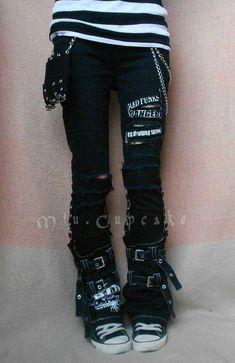 22520a3d56 #EmoFashion Rock Outfits, Emo Outfits, Emo Fashion, Fall Fashion, Gothic  Punk