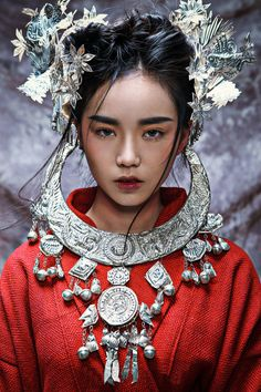 Silver Necklace Tiara Vintage Costume Hmong Tribal Jewelry http://www.interactchina.com/servlet/the-Ladies-Fashion-cln-Hair-Accessories/Categories