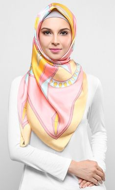 Kaleidoscope Square Scarf in Pink