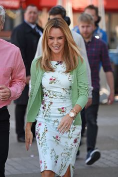 Amanda Holden – outside The London Studios filming for 'This Morning' Amanda Holden Bgt, Work Fashion, Street Fashion, Britain Got Talent, Work Looks, Blonde Highlights, Guilty Pleasure, Classy Outfits, Spring Outfits