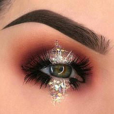 Eye Makeup Tips – How To Apply Eyeliner Makeup Goals, Makeup Inspo, Beauty Makeup, Hair Makeup, Makeup Desk, Glamour Makeup, Hair Beauty, Helloween Make Up, Beauty Hacks For Teens