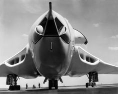 Handley Page Victor Handley Page Victor, Navy Aircraft, Ww2 Aircraft, Military Jets, Military Aircraft, Vickers Valiant, V Force, Avro Vulcan, Aircraft Pictures