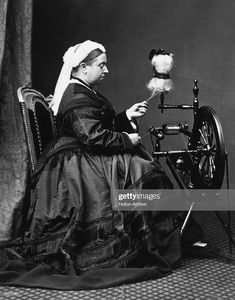 The queen makes the yarn! Queen Victoria at spinning wheel Queen Victoria Family, Queen Victoria Prince Albert, Victoria And Albert, Kensington, Reine Victoria, British History, British Monarchy History, Asian History, Tudor History