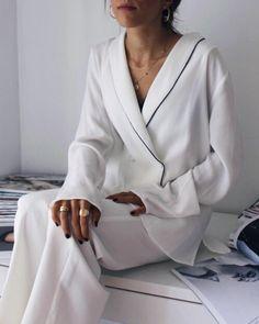 Moda Estilo Urbano Verano Ideas For 2019 White Fashion, Look Fashion, Womens Fashion, Fashion Trends, Looks Style, Style Me, Easy Style, Fashion Gone Rouge, Mode Inspiration
