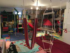 Spielzimmer einrichten nicht nur für (hyper)aktive Kinder Mini Me, Playroom, Gym, Home Decor, Game Room Basement, Indoor Playroom, Kids Basement, Basement Gym, Kids Rock Climbing