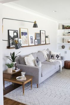 Home Interior Wall .Home Interior Wall Modern Family Rooms, Casual Living Rooms, New Living Room, Living Room Decor, Living Room Side Tables, Side Table Decor, Modern Side Table, Side Table Styling, Family Room Design