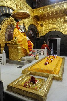 """Satguru Sai Baba (1835-1918) Samadi Mandir. Shirdi Town, Ahmednagar, India. 'Love one another and help others to rise to the higher levels, simply by pouring out love. Love is infectious and the greatest healing energy."""""""