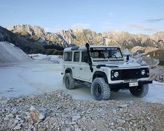 @silvertariq #defender110csw doing its thing at Carrara white marble quarry. #landrover #landroverdefender #landroverphotoalbum @landrover @landrover_uk