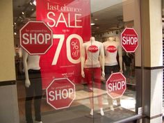 Now here's a simple and effective window display! And don't forget… these signs do not have to mean that you have reduced prices. They'd be just as traffic-stopping without … Shop House Plans, Shop Plans, Shop Window Displays, Display Window, Retail Displays, Shop Interior Design, Retail Design, Store Design, Etsy