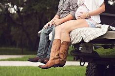 Cute maternity picture.