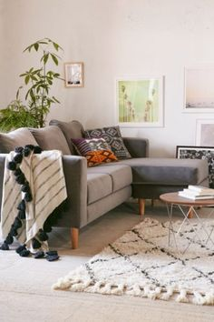 Quincy Chaise Sectional Sofa - Urban Outfitters