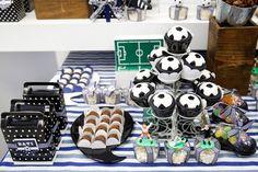 Olha que linda inspiração esta Festa Futebol!! Decoração Leticia Alencar Comemorações. Lindas ideias e muita inspiração. Bjs, Fabiola Tele...