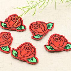 5pcs Cute Colorful Rose Applique Flowers Patch Embroidered Sew Iron on Clothes Bags Handmade DIY Craft Ornament Fabric Sticker