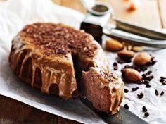 Toiveohje: Arabialainen maustekakku Arabialaisen maustekakun kuorrutus maustetaan kanelilla ja kahvilla.