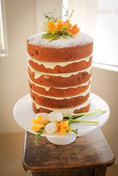 Summer wedding cake - photo by Sunny + Scout Photography
