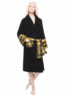 Versace_womens_robe_black.jpg (570×800)