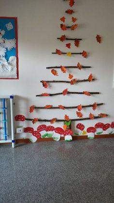 Herbst Dekoration – Oh, les rues de France! Fall Arts And Crafts, Autumn Crafts, Autumn Art, Autumn Theme, Preschool Crafts, Diy And Crafts, Crafts For Kids, Class Decoration, School Decorations
