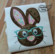 Easter bunny with glasses bunny glasses Halloween Applique, Halloween Embroidery, Christmas Applique, Christmas Embroidery, Owl Applique, Applique Embroidery Designs, Embroidery Fonts, Machine Embroidery, Easter Cross