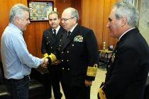 Rollemberg recebe comandantes da Marinha do Brasil - http://noticiasembrasilia.com.br/noticias-distrito-federal-cidade-brasilia/2015/07/10/rollemberg-recebe-comandantes-da-marinha-do-brasil/