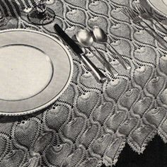 Free Beginner Crochet Tablecloth Patterns | Crocheted Pineapple Bedspread Tablecloth Runner Pattern is Vintage ...