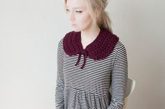 chunky crochet peter pan collar neckwarmer in burgundy.