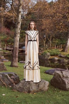 Erdem Pre-Fall 2018 Collection Photos - Vogue