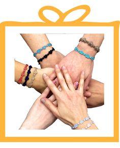 Cruciani C, da anni attiva nel sociale, ha creato Heartbeat un nuovo braccialetto dall'animo benefico a sostegno della Fondazione Mission Bambini, per salvare i bambini malati di cuore. In 13 colori, lo puoi acquistare sul nostro sito.