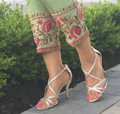 Pakistani Outfits, Indian Outfits, Indian Fashion, Womens Fashion, Lawn Suits, Pakistan Fashion, Fancy Pants, Indian Designer Wear, Fashion Pants