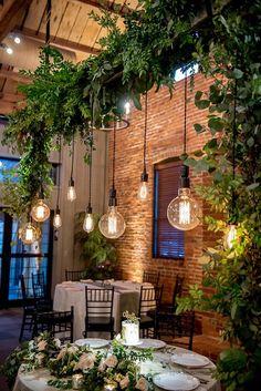 Decoração de festas com lâmpadas pendentes - Salve a Noiva