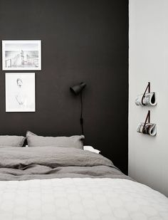 Cut the clutter! How to declutter your bedroom and keep it clutter-free - DIY home decor - Your DIY Family Scandinavian Style Home, Scandinavian Interior, Minimal Bedroom, Clutter Free Home, Home Organisation, Minimalist Home Decor, Declutter Your Home, White Houses, Decoration