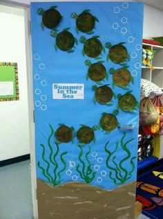 Classroom door - I love the turtles! Although it& impossible to 100 . - Under the sea - # classroom door - - Turtle Classroom, Classroom Door, Classroom Themes, Ocean Themed Classroom, Classroom Displays, Class Decoration, School Decorations, Turtle Decorations, Halloween Decorations