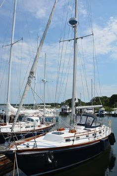 It's spectacular! Discover these 9 concepts all pertaining to Used Sailboats, Sailboats For Sale, Sailboat Restoration, Sailboat Yacht, Sailboat Living, Buy A Boat, Sailing Ships, Sailing Yachts, Beyond The Sea