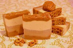 Mydlo s medom a kakaom Savon Soap, Panna Cotta, Ethnic Recipes, Food, Dulce De Leche, Essen, Meals, Yemek, Eten