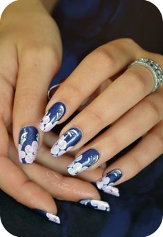 Nail art by Tartofraises. This girl is amazing!