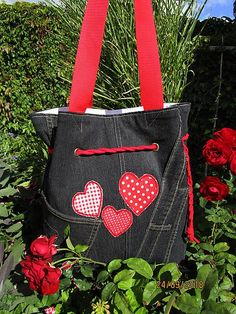 Handmademaja / Taška na rameno z rifloviny s aplikáciou Jeans, Handmade, Hand Made, Denim, Denim Pants, Handarbeit, Denim Jeans