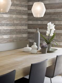 A recycled industrial wood-look wallpaper from Aspiring walls adds some real character to walls. Look Wallpaper, Wallpaper Gallery, Wall Wallpaper, Old Wall, Contemporary Wallpaper, Interior Decorating, Interior Design, Wood Planks, Wood Flooring